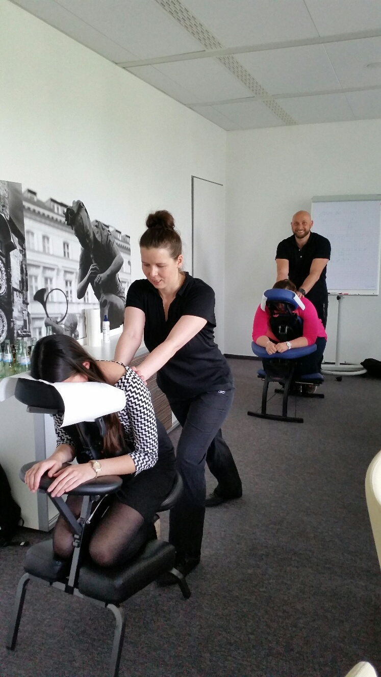 Büromassage in Frankfurt Niederrad